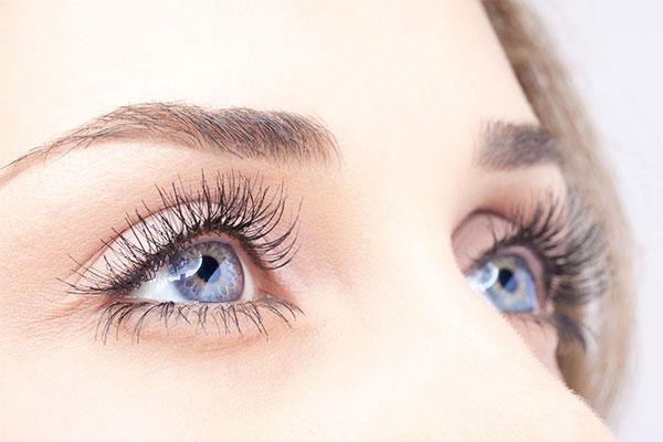 کلینیک تخصصی زیبایی پوست و مو ساعی – پروسه کاشت ابرو 2 1