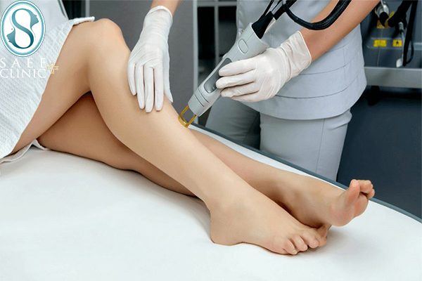 فرآیند لیزر موهای زائد با دستگاه لیزر الکساندرایت کندلا در کلینیک پوست و مو ساعی